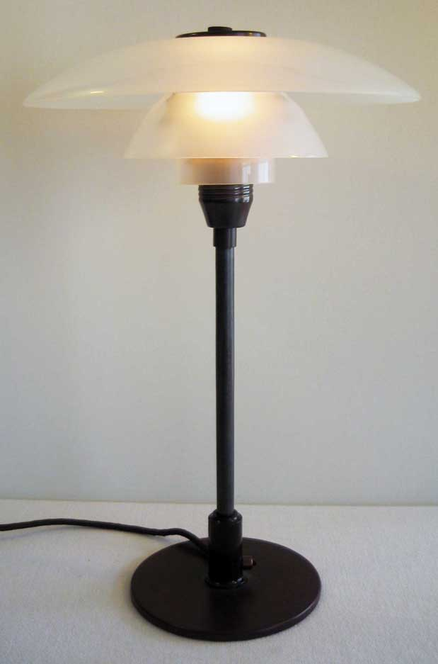 skrivebordslampe ph cykelhjelm med led lys. Black Bedroom Furniture Sets. Home Design Ideas